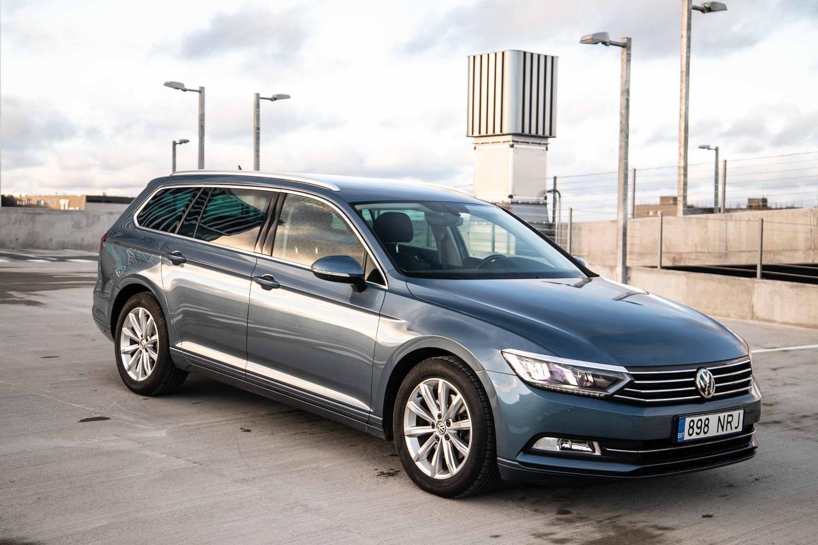 Volkswagen Passat Comfort - Photo